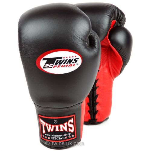 Twins Lace Up Sparring Gloves - Black/Red